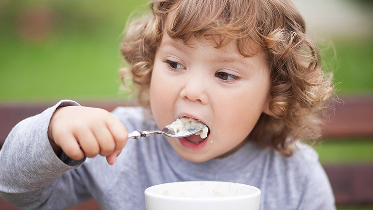 cách chữa Viêm da cơ địa ở trẻ em
