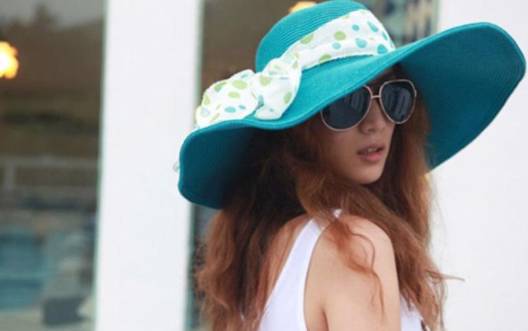Bảo vệ da mặt, tránh để da tiếp xúc trực tiếp với ánh nắng mặt trời