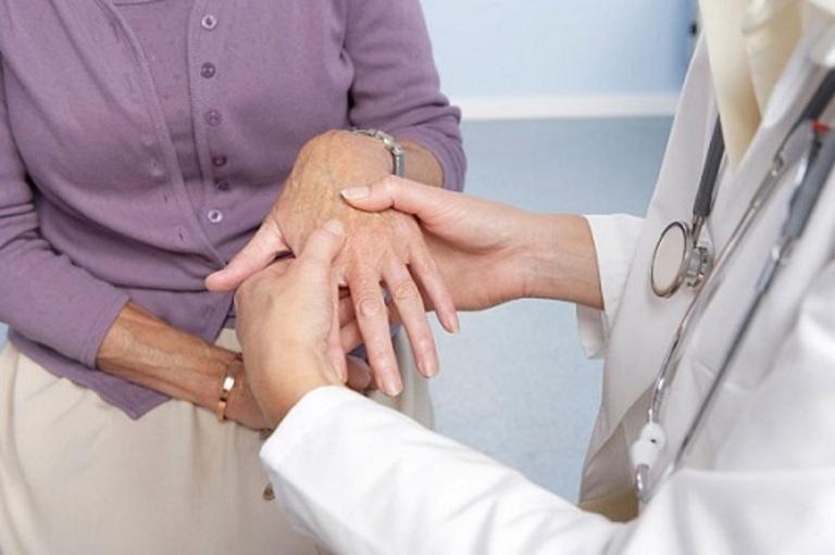 Không thể chữa tận gốc bệnh á sừng. Thay vào đó chỉ có thể kiểm soát được các triệu chứng của bệnh.