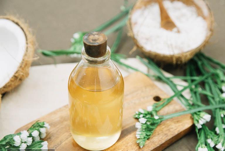 Cách dùng dầu dừa nguyên chất điều trị bệnh vảy nến