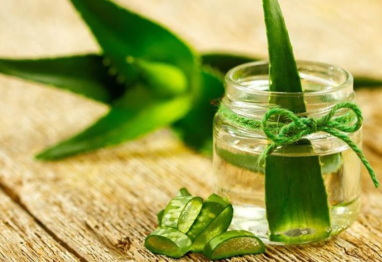 Cách dùng nha đam và dầu dừa nguyên chất điều trị bệnh vảy nến