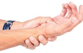 Bật mí mẹo chống xuất tinh sớm bằng cách bấm cổ tay