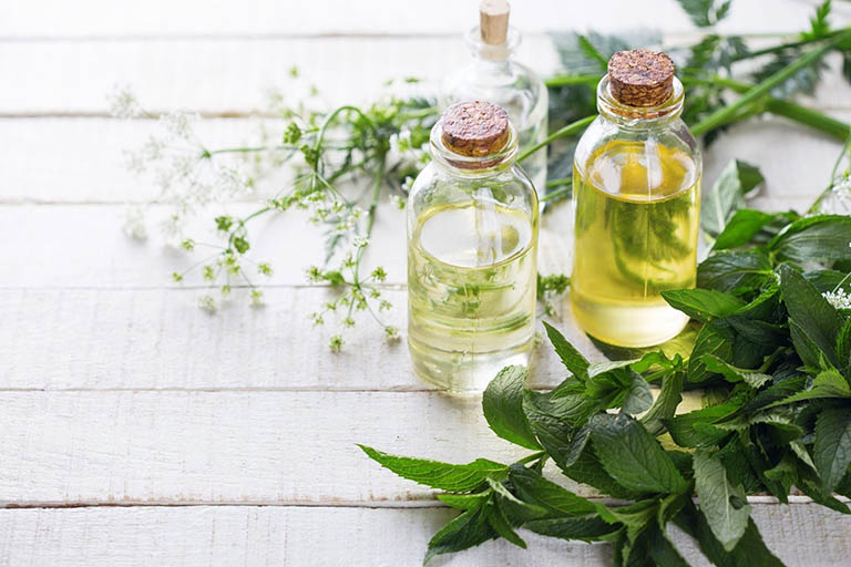 Sử dụng tinh dầu thảo dược