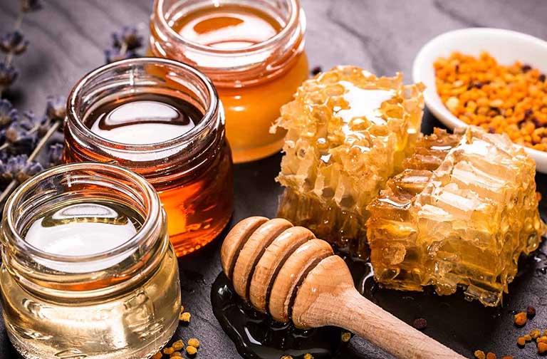Chữa mẩn đỏ ngứa ở háng bằng mật ong nguyên chất