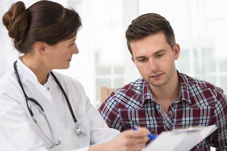 Nam giới cần đến các cơ sở y tế uy tín để kiểm tra và điều trị rối loạn cương dương