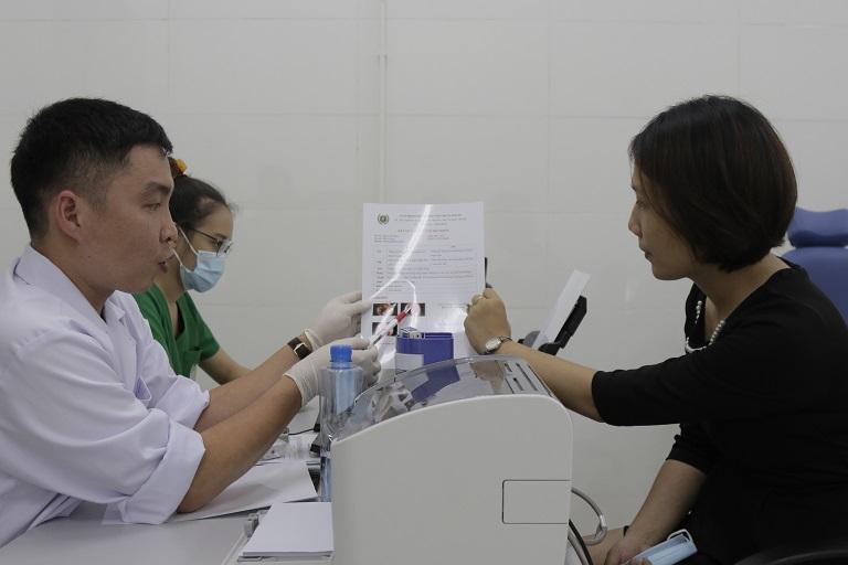 Tại Quân dân 102, người bệnh sẽ được thăm khám theo hình thức Đông - Tây Y kết hợp