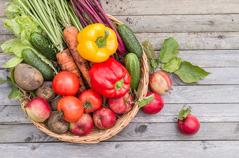 Rau củ quả và trái cây tươi