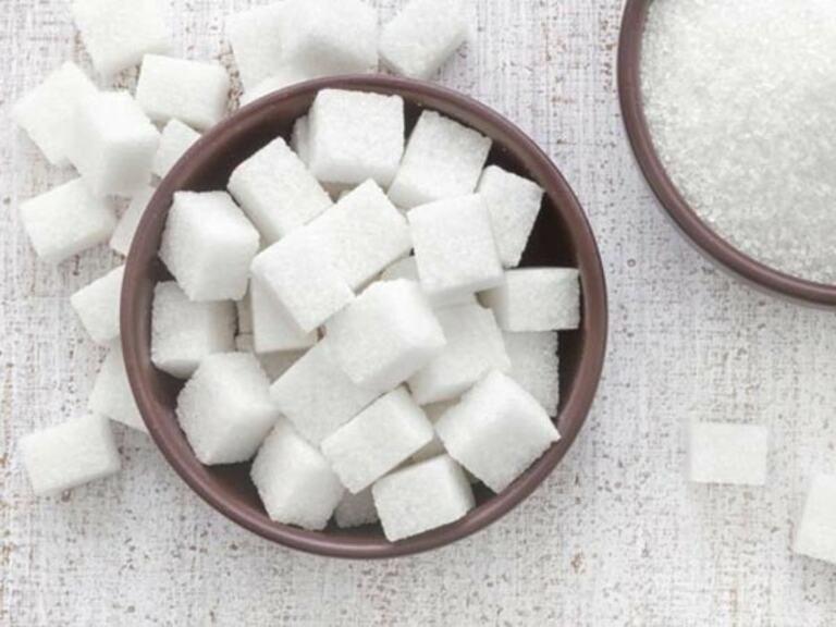 Người tinh luyện chỉ nên sử dụng một lượng nhỏ đường tinh luyện trong chế biến thực phẩm hằng ngày.