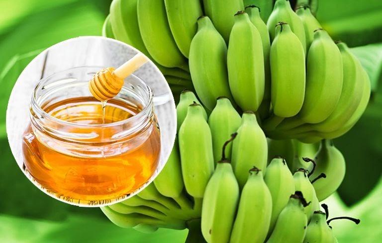 Kết hợp chuối xanh và mật ong mang lại hiệu quả nhanh chóng khi điều trị đau dạ dày tại nhà