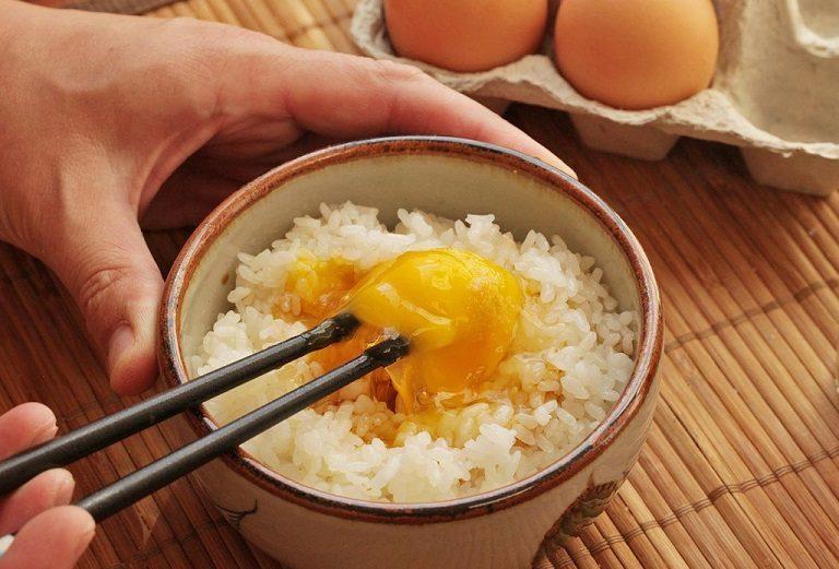 Ăn 1 - 2 quả trứng mỗi tuần sẽ có tác dụng tăng cường tốc độ của tinh trùng, thêm ham muốn khi quan hệ.