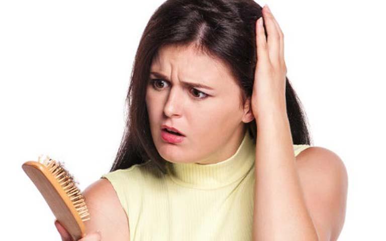 Bị thận yếu khi mang thai gây rụng tóc nhiều