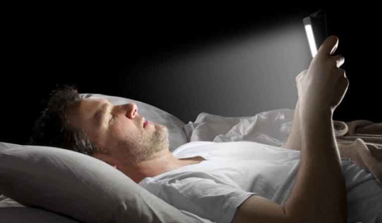 Thức khuya nguyên nhân chính gây bệnh rối loạn cương dương