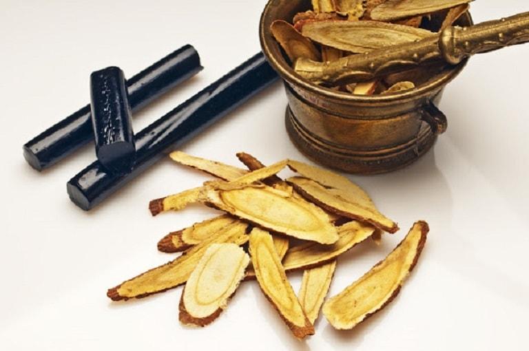 Cam thảo được dùng phổ biến để chữa trào ngược dạ dày