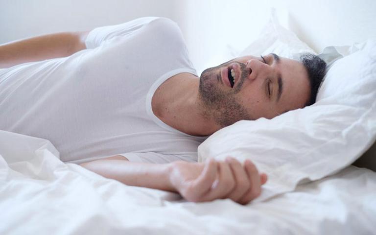 Trào ngược dạ dày khi ngủ là bệnh lý rất nhiều người mắc phải
