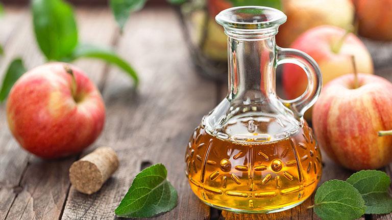 Sử dụng giấm táo chữa đau thượng vị tại nhà được nhiều người bệnh sử dụng