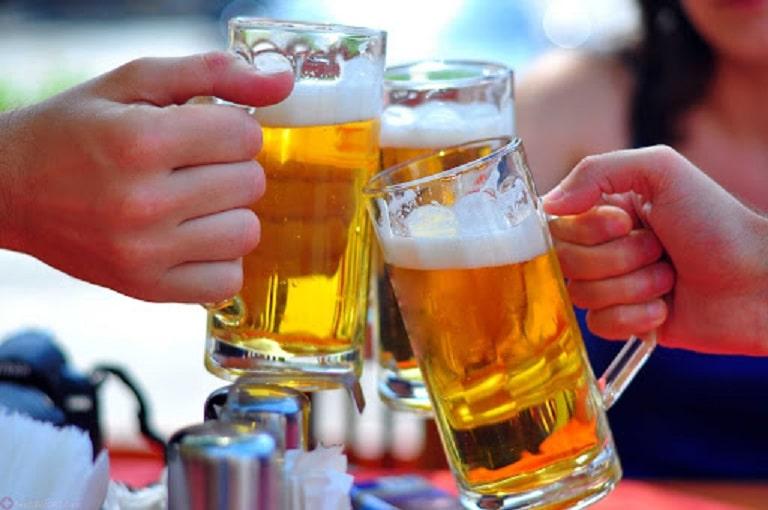 Rượu bia là những đồ uống cần tránh tuyệt đối