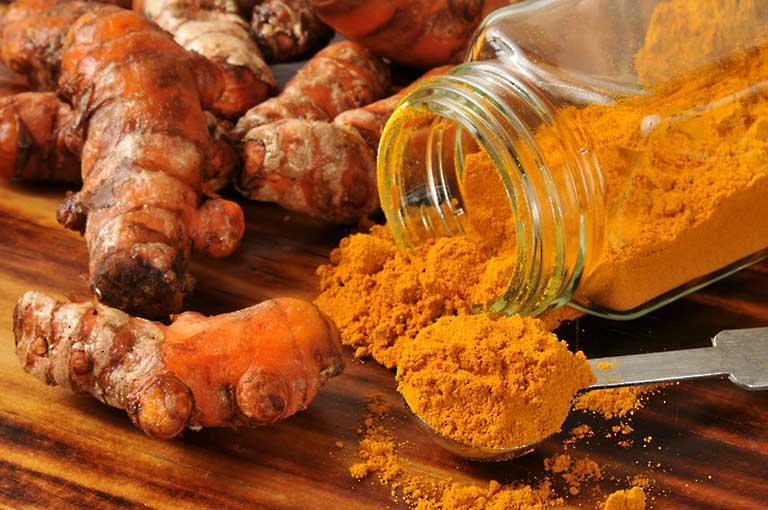 Nhiễm vi khuẩn HP nên ăn gì? Nghệ là thực phẩm không thể bỏ qua
