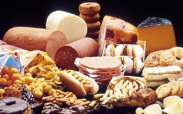 Người nhiễm vi khuẩn HP cần kiêng các chất béo không lành mạnh