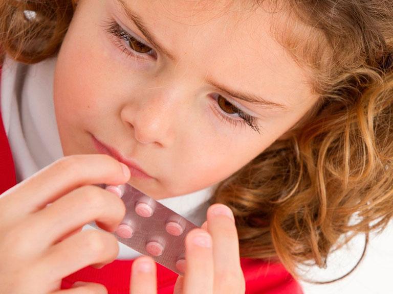 Kháng sinh giúp điều trị vi khuẩn HP ở trẻ nhỏ