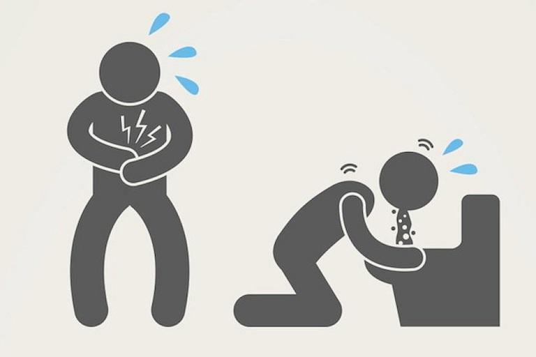 Người bệnh có thể đau bụng dữ dội và nôn mửa