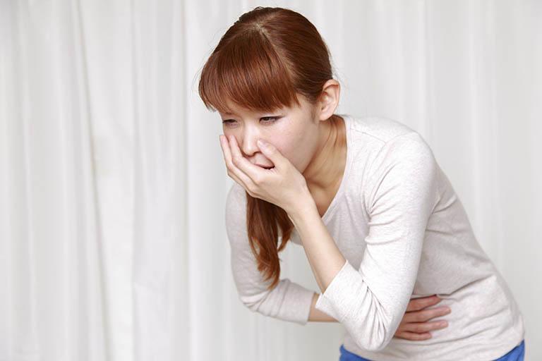 Đau dạ dày kèm buồn nôn do co bóp và dịch vị dạ dày tăng tiết mạnh