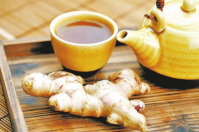 Uống trà gừng giúp giảm đau hiệu quả