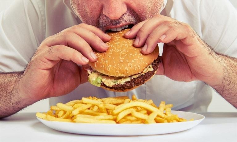 Các cơn đau dạ dày khởi phát từ thói quen sinh hoạt và ăn uống không lành mạnh