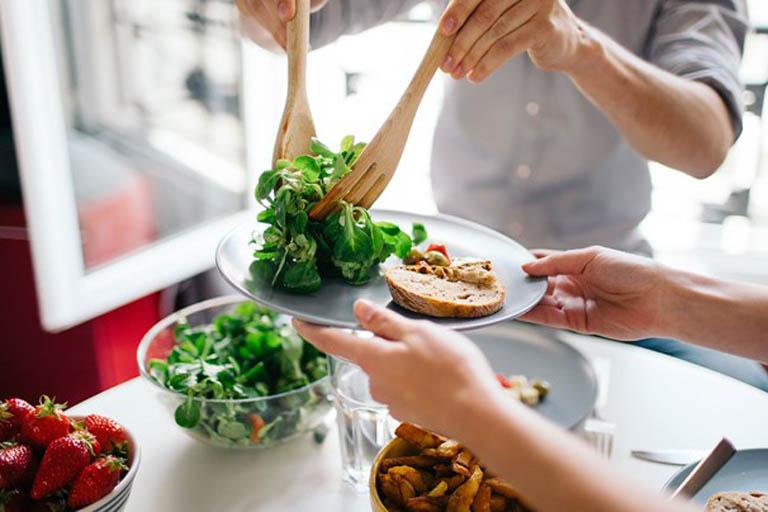 Hình thành thói quen ăn uống khoa học khi bị đau dạ dày để hỗ trợ điều trị bệnh