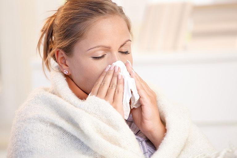 Bệnh viêm xoang có khả năng lây nhiễm từ người này sang người khác không?