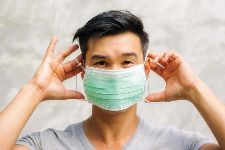 Đeo khẩu trang giúp bảo vệ hệ hô hấp khỏi sự xâm nhập của các tác nhân gây hại