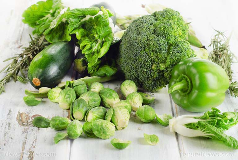 Khi mắc các bệnh lý về dạ dày, rau xanh là thực phẩm không thể thiếu trong thực đơn ăn uống hàng ngày