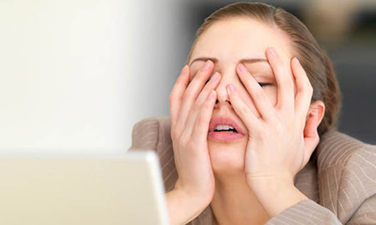 Căng thẳng là một trong những yếu tố sinh lý gây kích thích đến nút xoang và làm tăng nhịp xoang