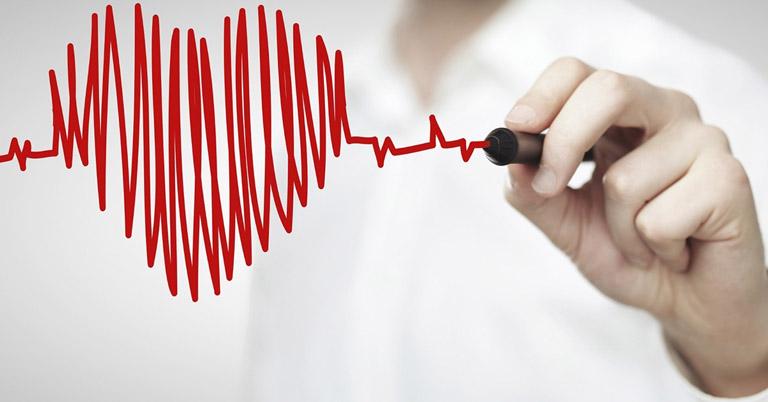 Nhịp xoang nhanh là hiện tương tim đập nhanh hơn so với bình thường với tần suất trên 100 nhịp/phút