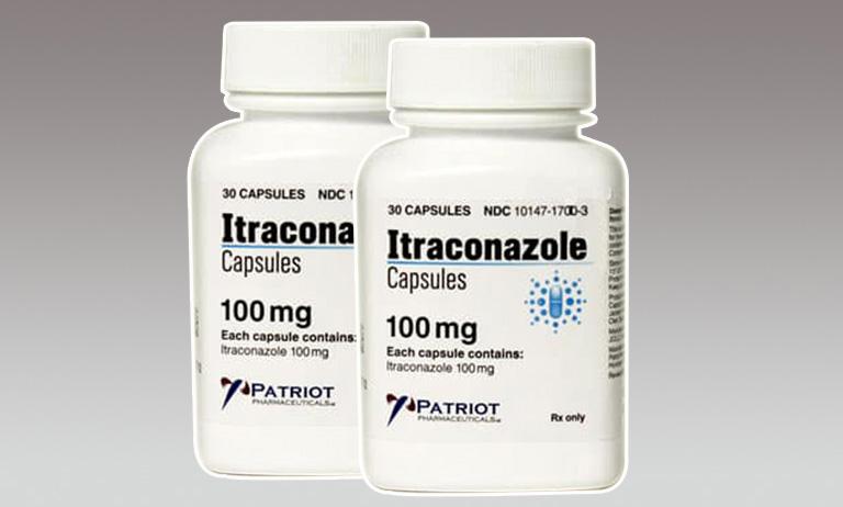 Chữa lác đồng tiền bằng thuốc Itraconazole thông qua đường uống giúp mang lại hiệu quả nhanh chóng