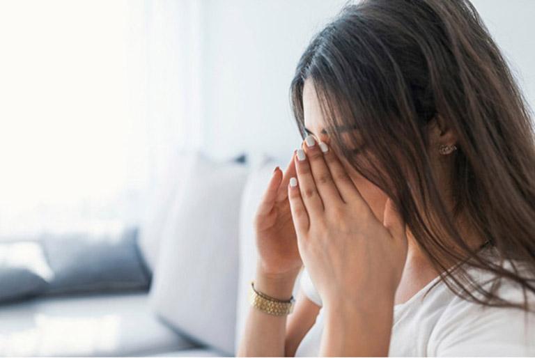 Viêm xoang cấp mủ xảy ra khi niêm mạc lót trong khoang xoang bị nhiễm trùng