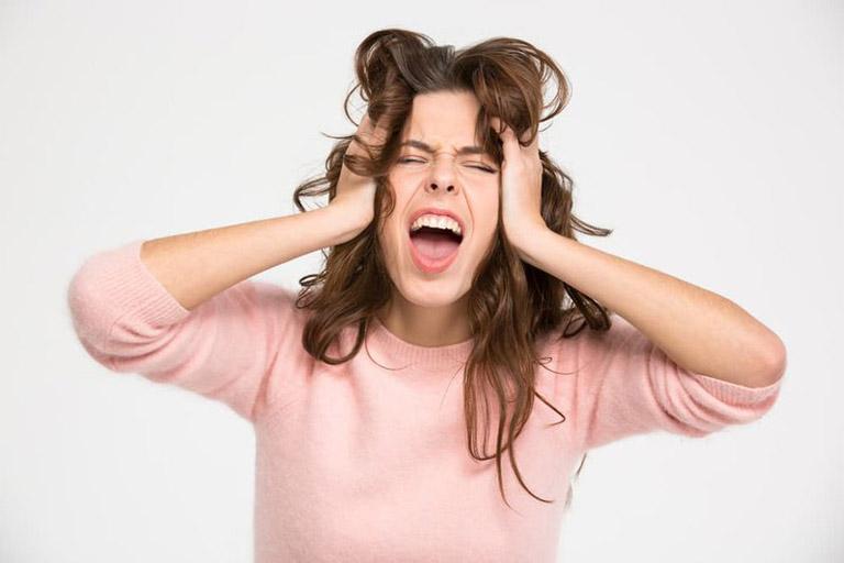 Nhanh chóng đến gặp bác sĩ nếu cơn đau đầu do viêm xoang xuất hiện với mức độ nghiêm trọng