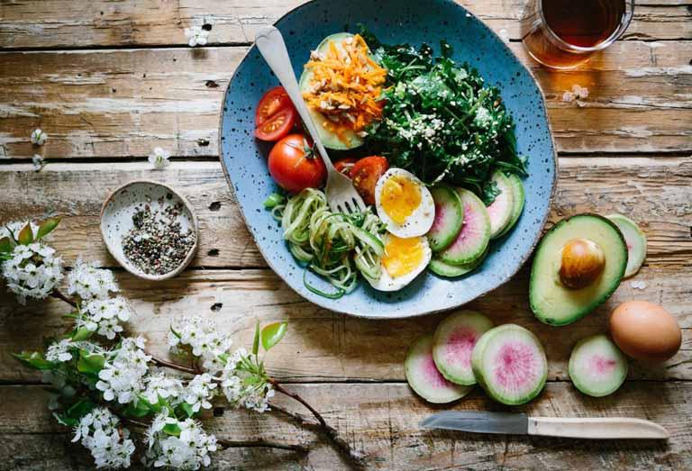 Xây dựng chế độ ăn uống khoa học giúp nâng cao sức đề kháng cơ thể và hỗ trợ điều trị bệnh