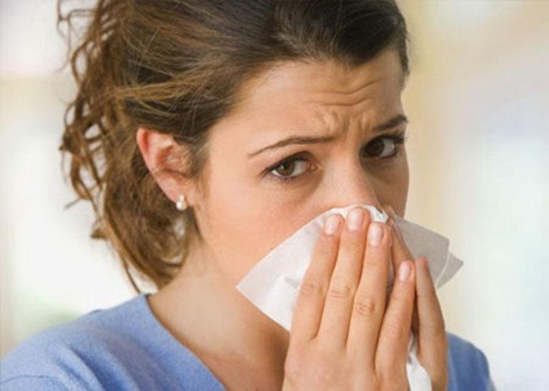 Cải thiện triệu chứng của bệnh viêm xoang tại nhà bằng cách xông mũi khói cà độc dược