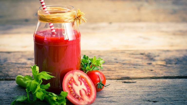 Nâng cao sức đề kháng cơ thể bằng nước ép cà chua cần tây