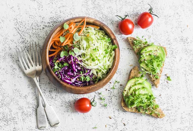 Viêm xoang nên ăn những loại thực phẩm nào để hỗ trợ cải thiện triệu chứng của bệnh