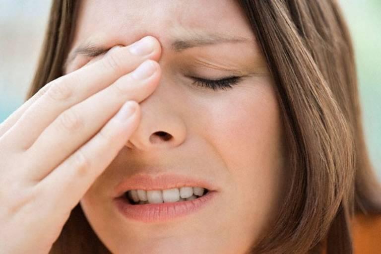 Viêm xoang polyp mũi gây ra các triệu chứng ảnh hưởng xấu đến sức khỏe của người bệnh
