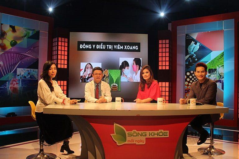 Lương y Đỗ Minh Tuấn cùng diễn viên Hoa Thúy chia sẻ về hiệu quả bài thuốc viêm xoang Đỗ Minh trên sóng truyền hình VTV2