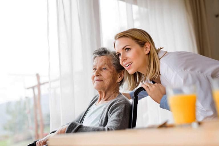 Lập kế hoạch chăm sóc bệnh nhân bị viêm khớp dạng thấp cần dựa vào cơ địa, tình trạng bệnh lý, nhu cầu cá nhân và phác đồ của bác sĩ chuyên khoa