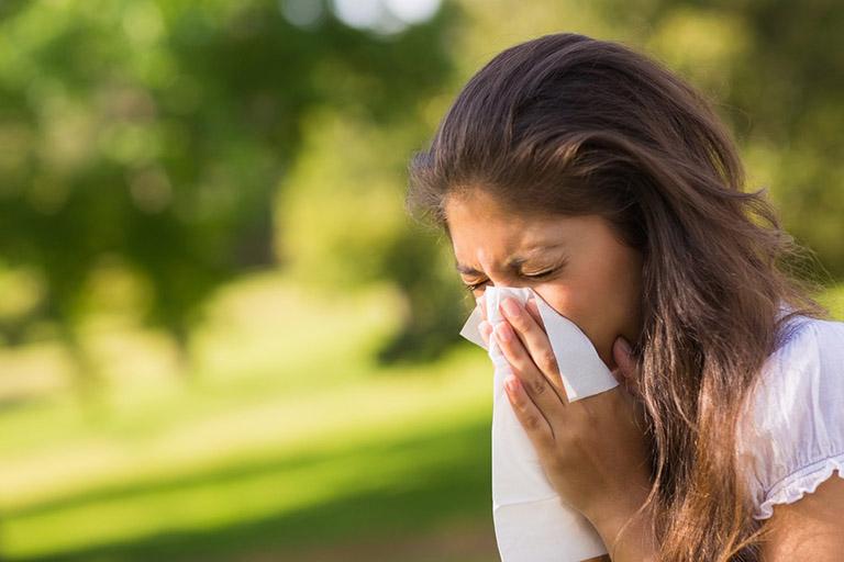 Các triệu chứng của bệnh viêm mũi dị ứng không chỉ gây ra nhiều sự khó chịu mà làm ảnh hưởng cả công việc và chất lượng đời sống