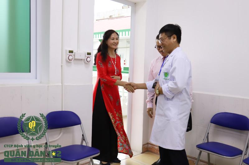 Căn bệnh viêm da dai dẳng, phiền toái chấm dứt khi NSUT Thanh Hiền biết đến CTCP Bệnh viện Quân dân 102