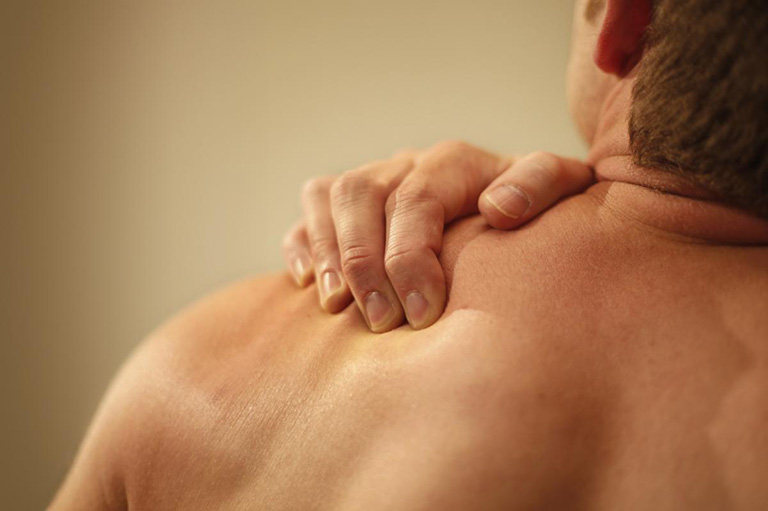 Viêm quanh khớp vai thể đau vai cấp