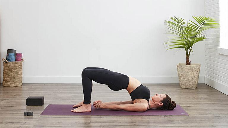 bài tập yoga chữa viêm mũi dị ứng với  Setu Bandhasana