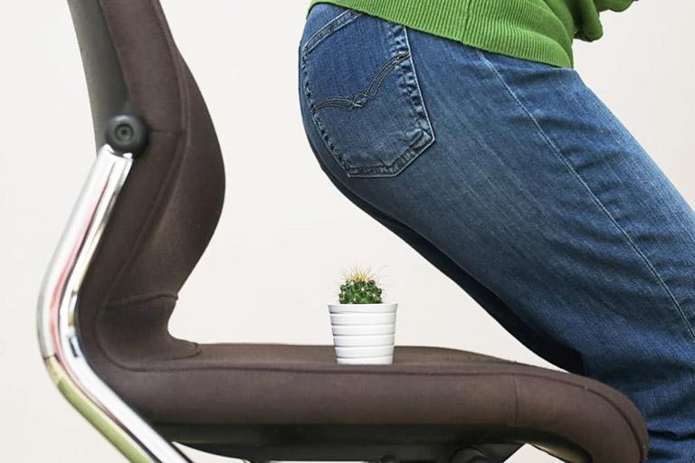 Thói quen lười vện động hay ngồi nhiều là nguyên nhân phổ biến khởi phát bệnh trĩ