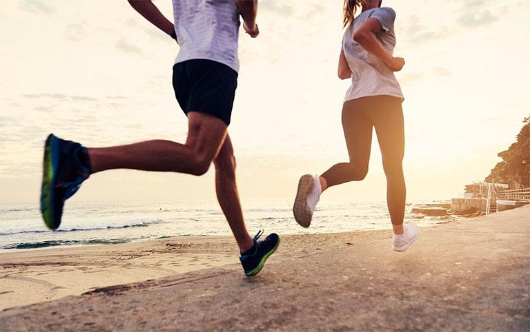 Mỗi ngày dành khoảng 30 - 45 phút để vận động cơ thể bằng những bộ môn là bản thân yêu thích để phòng bệnh trĩ và nâng cao sức khỏe tổng thể