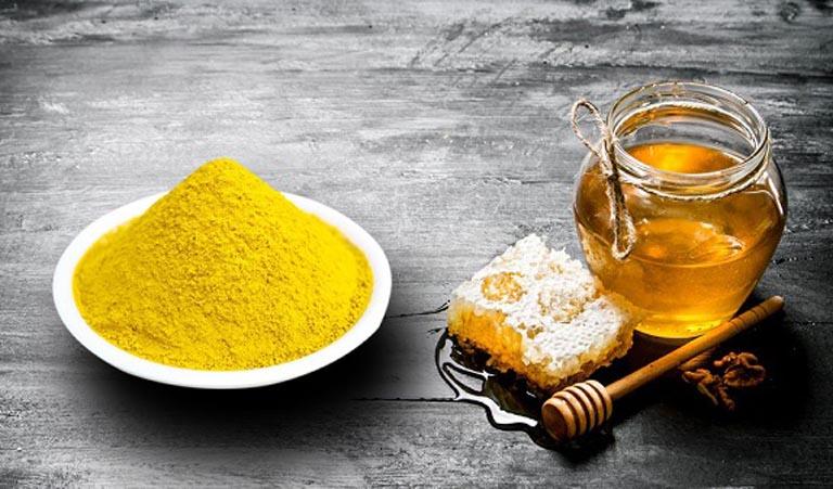 Dùng kết hợp mật ong nguyên chất với tinh bột nghệ để trị viêm đại tràng tại nhà
